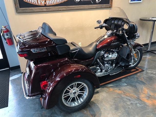 2019 Harley-Davidson Trike Tri Glide® Ultra at Vandervest Harley-Davidson, Green Bay, WI 54303
