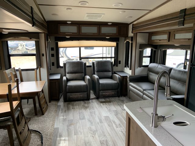 2019 Keystone RV Cougar 27SGS at Campers RV Center, Shreveport, LA 71129