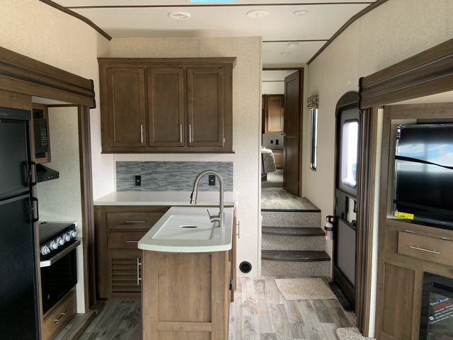 2019 Keystone RV Cougar 27SGS Rear Living at Campers RV Center, Shreveport, LA 71129