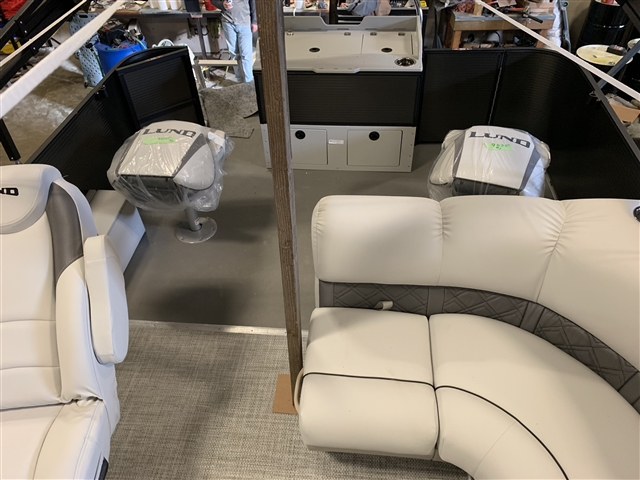 2019 Lund LX220 FISH N CRUISE PONTOON at Pharo Marine, Waunakee, WI 53597