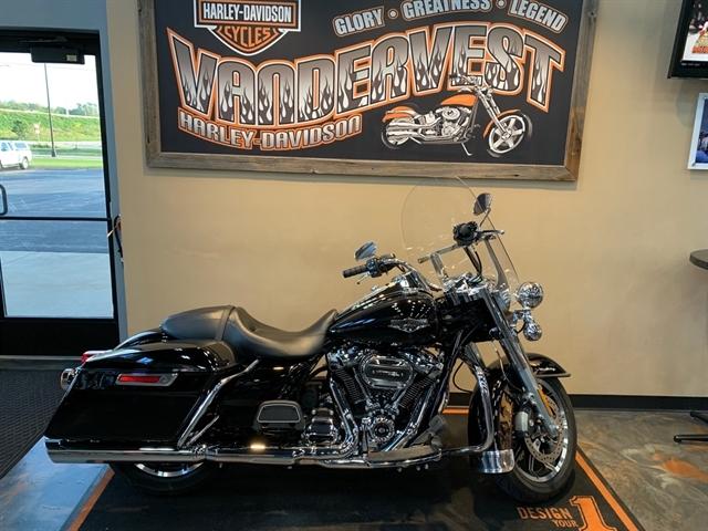 2018 Harley-Davidson Road King Base at Vandervest Harley-Davidson, Green Bay, WI 54303