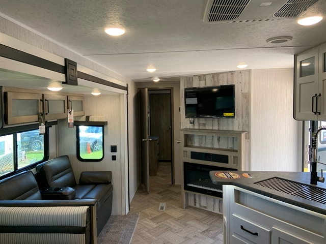 2021 Palomino Puma 32BHQS at Campers RV Center, Shreveport, LA 71129