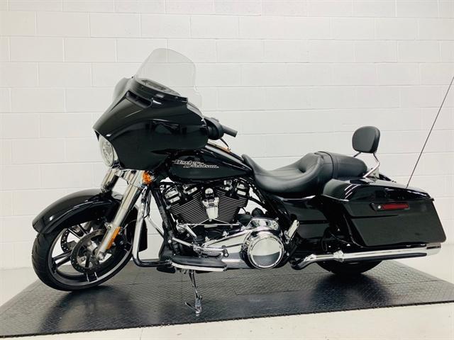 2018 Harley-Davidson Street Glide Base at Destination Harley-Davidson®, Silverdale, WA 98383