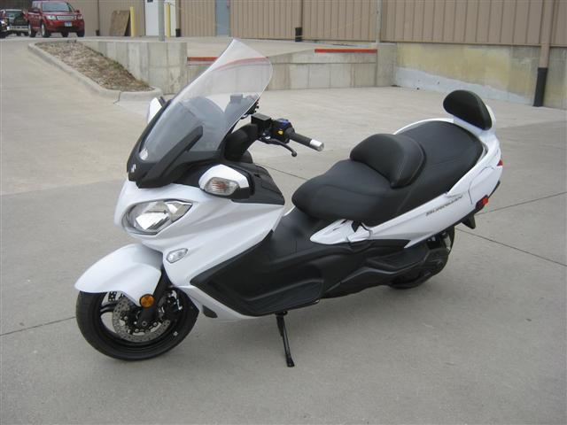 2018 Suzuki Burgman 650 Executive at Brenny's Motorcycle Clinic, Bettendorf, IA 52722
