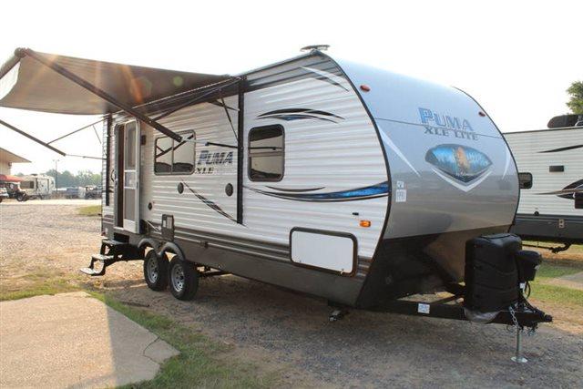 2019 Palomino Puma XLE Lite 21FBC Rear Bath at Campers RV Center, Shreveport, LA 71129