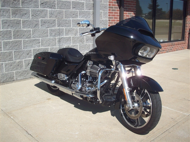 2015 Harley-Davidson Road Glide Base at Indianapolis Southside Harley-Davidson®, Indianapolis, IN 46237