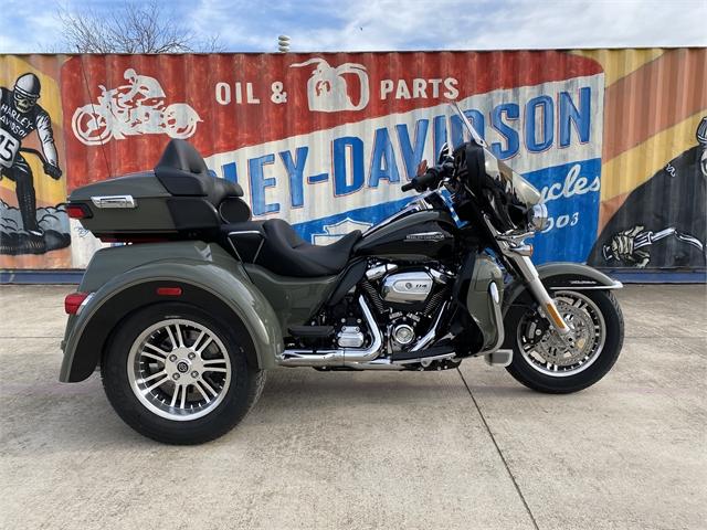 2021 Harley-Davidson Trike FLHTCUTG Tri Glide Ultra at Gruene Harley-Davidson