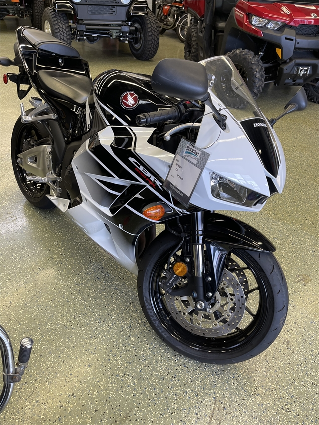 2016 Honda CBR 600RR at Thornton's Motorcycle Sales, Madison, IN