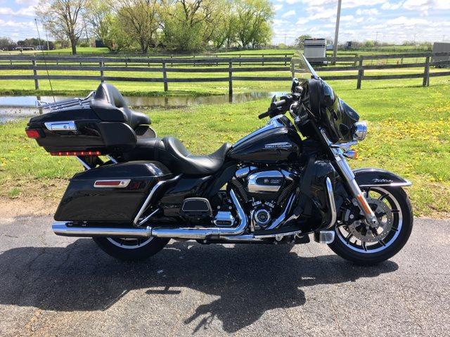 2018 Harley-Davidson FLHTCU Electra Glide Ultra Classic® at Randy's Cycle, Marengo, IL 60152