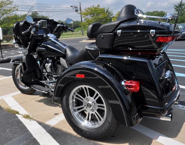 2017 Harley-Davidson Trike Tri Glide® Ultra at All American Harley-Davidson, Hughesville, MD 20637