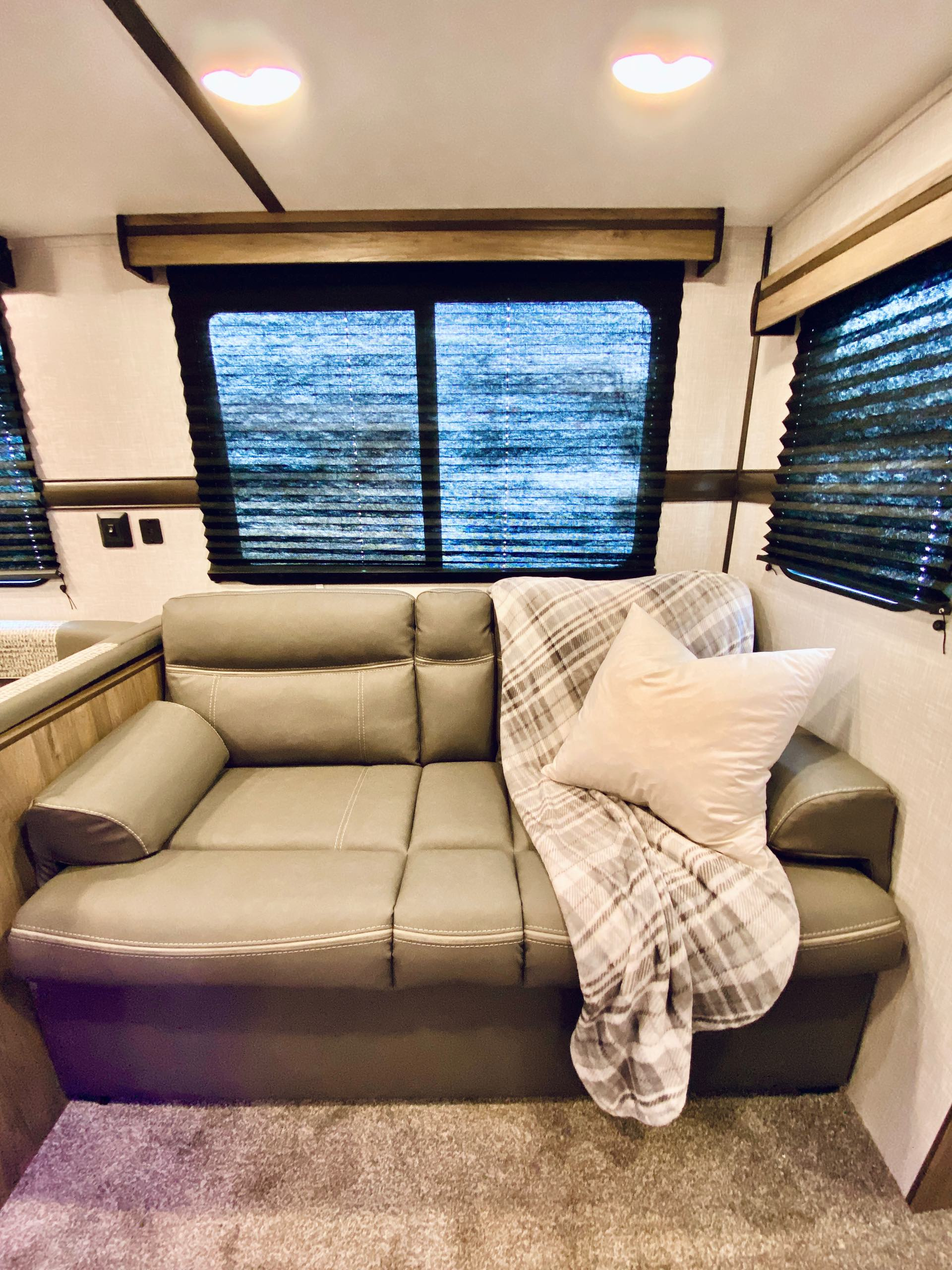 2021 CrossRoads Zinger ZR328SB at Lee's Country RV