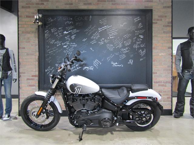 2021 Harley-Davidson Cruiser FXBBS Street Bob 114 at Cox's Double Eagle Harley-Davidson