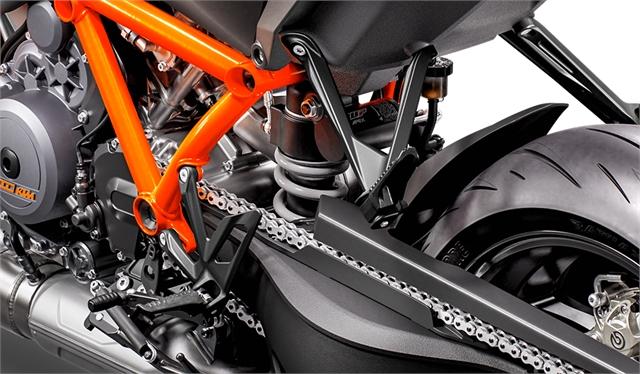 2021 KTM 1290 SUPER DUKE R at Lynnwood Motoplex, Lynnwood, WA 98037