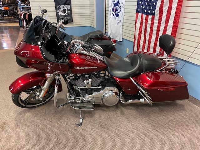 2017 Harley-Davidson Road Glide Special at Carlton Harley-Davidson®