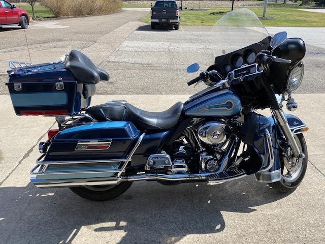 2004 Harley-Davidson FLHTCI SHRINE at Carlton Harley-Davidson®