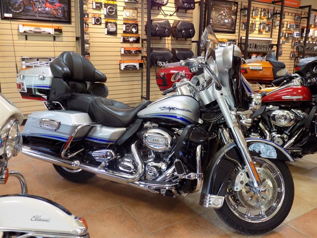 2009 Harley-Davidson Electra Glide CVO Ultra Classic at Lentner Cycle Co.