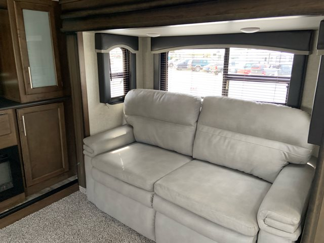2019 Keystone RV Cougar 367FLS at Campers RV Center, Shreveport, LA 71129