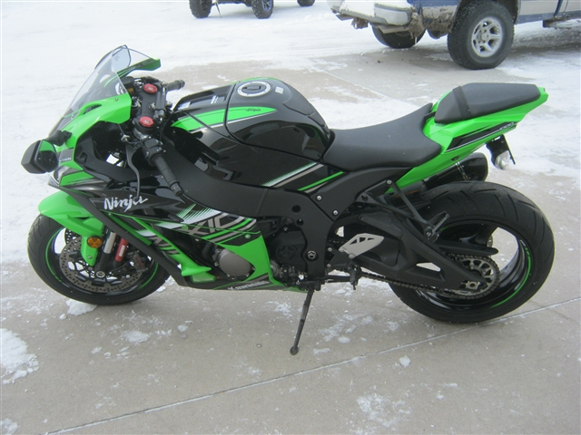 2016 Kawasaki ZX-10 at Brenny's Motorcycle Clinic, Bettendorf, IA 52722