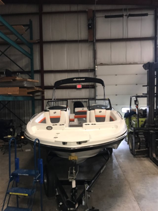 2018 Hurricane SD 217 OB at Pharo Marine, Waunakee, WI 53597