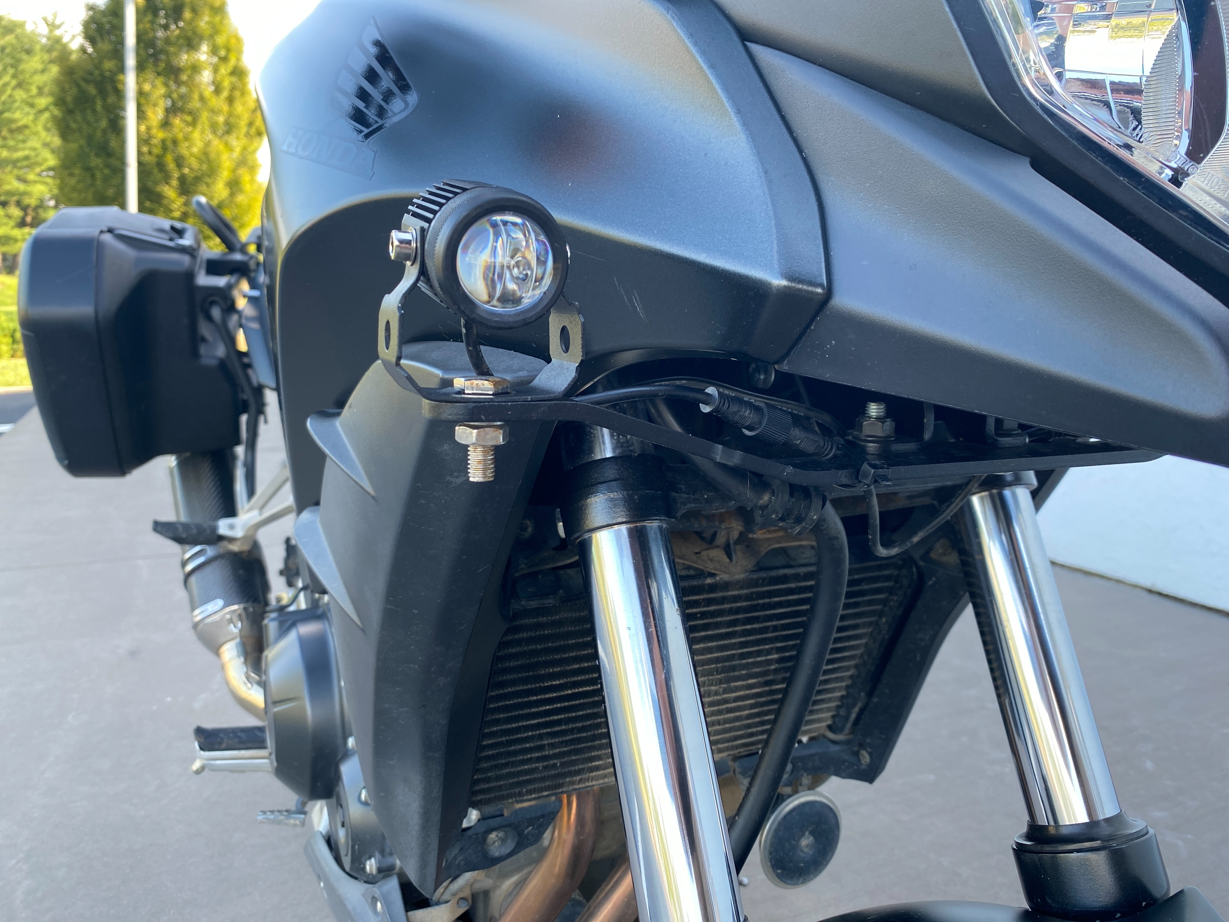 2015 Honda CB 500X at Frontline Eurosports