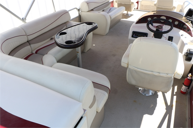 2009 Bennington 2275 Gfi at Jerry Whittle Boats