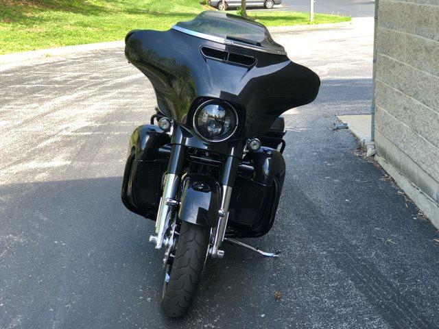 2017 Harley-Davidson Street Glide CVO Street Glide at Bluegrass Harley Davidson, Louisville, KY 40299