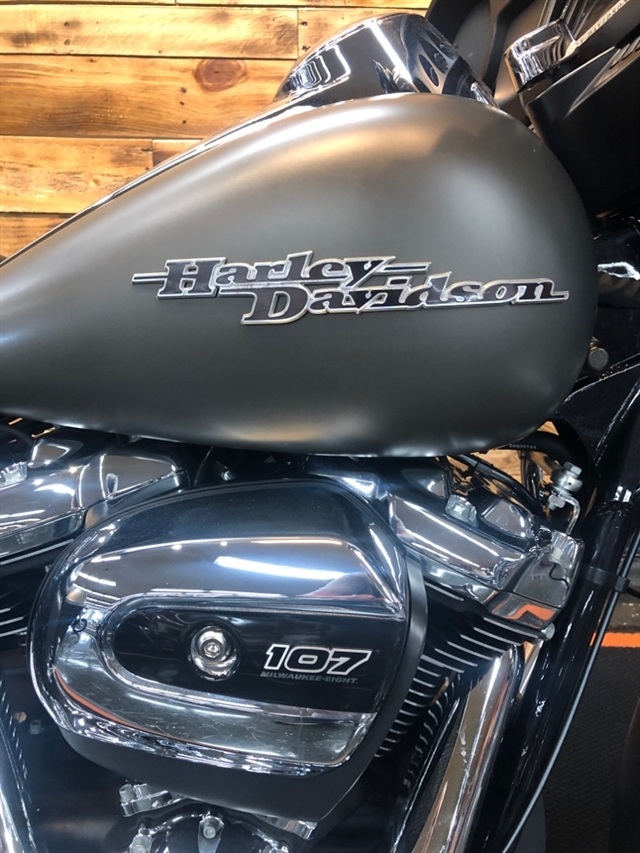 2018 Harley-Davidson Street Glide Base at Holeshot Harley-Davidson