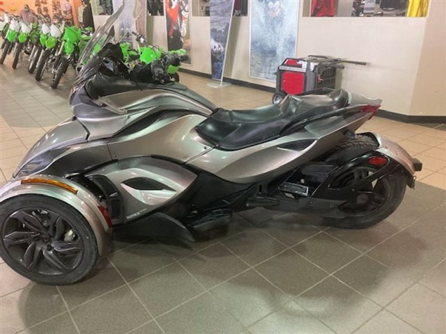 2013 Can-Am Spyder ST SE5 at Midland Powersports