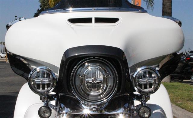 2020 Harley-Davidson CVO CVO Tri Glide at Quaid Harley-Davidson, Loma Linda, CA 92354