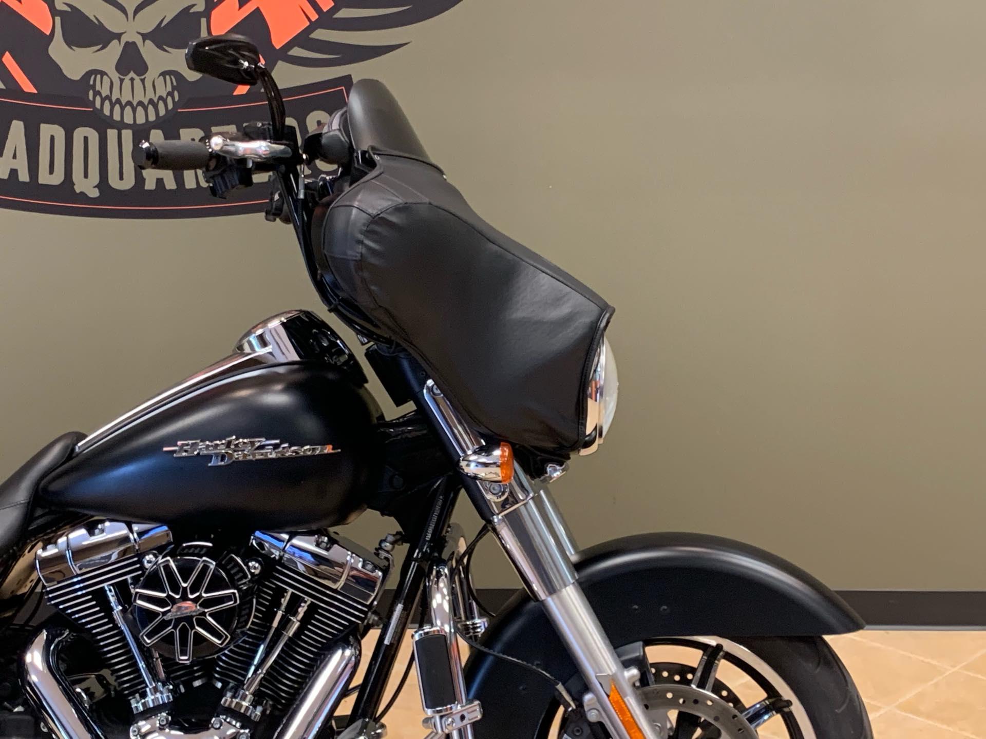 2010 Harley-Davidson Street Glide Base at Loess Hills Harley-Davidson