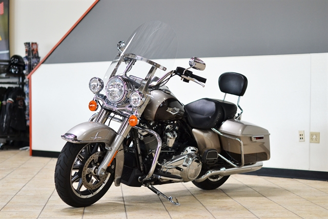 2018 Harley-Davidson Road King Base at Destination Harley-Davidson®, Tacoma, WA 98424