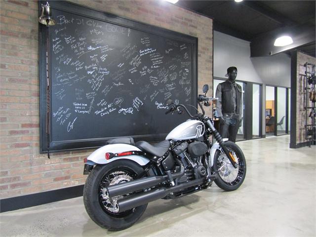 2021 Harley-Davidson Cruiser Street Bob 114 at Cox's Double Eagle Harley-Davidson