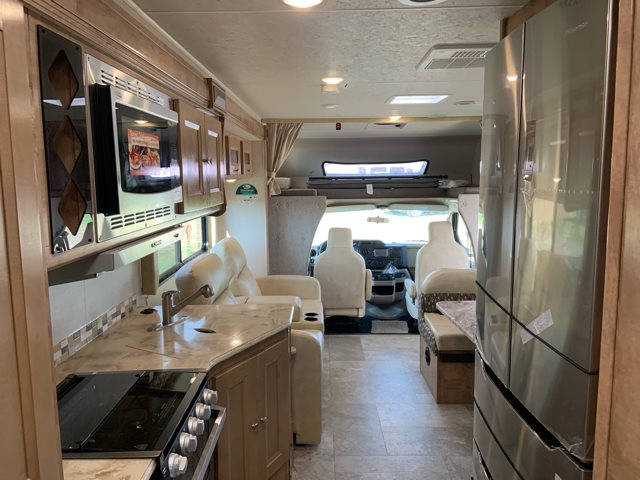 2020 Coachmen Leprechaun 311FS at Campers RV Center, Shreveport, LA 71129