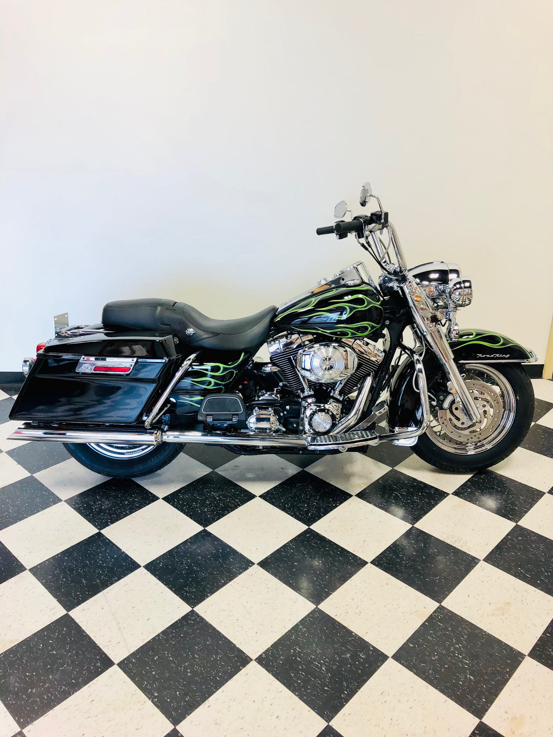 2004 Harley-Davidson Road King Classic at Deluxe Harley Davidson