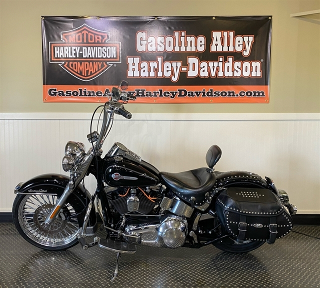 2004 Harley-Davidson Softail Heritage Softail Classic at Gasoline Alley Harley-Davidson (Red Deer)