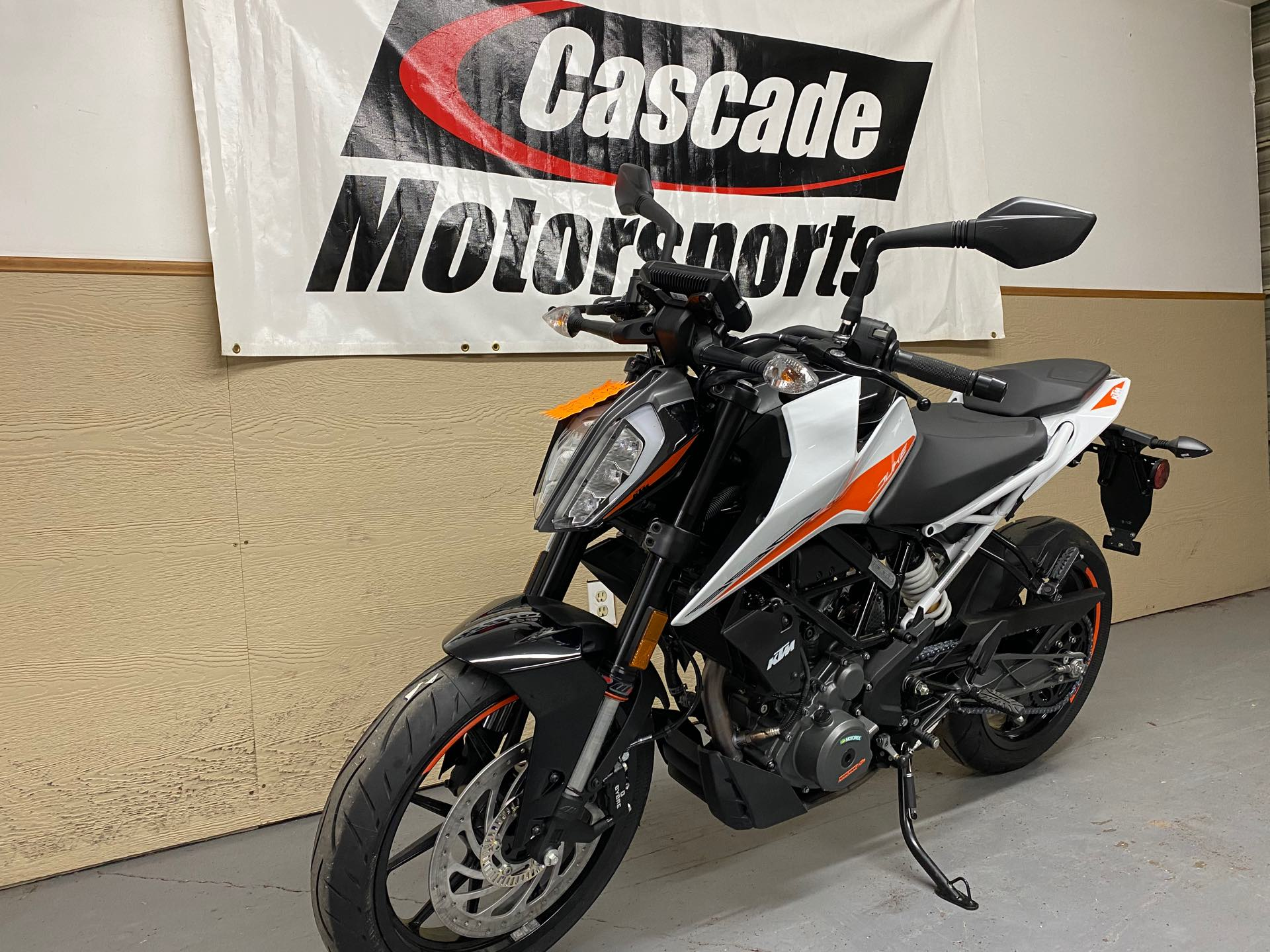 2021 KTM Duke 390 at Cascade Motorsports