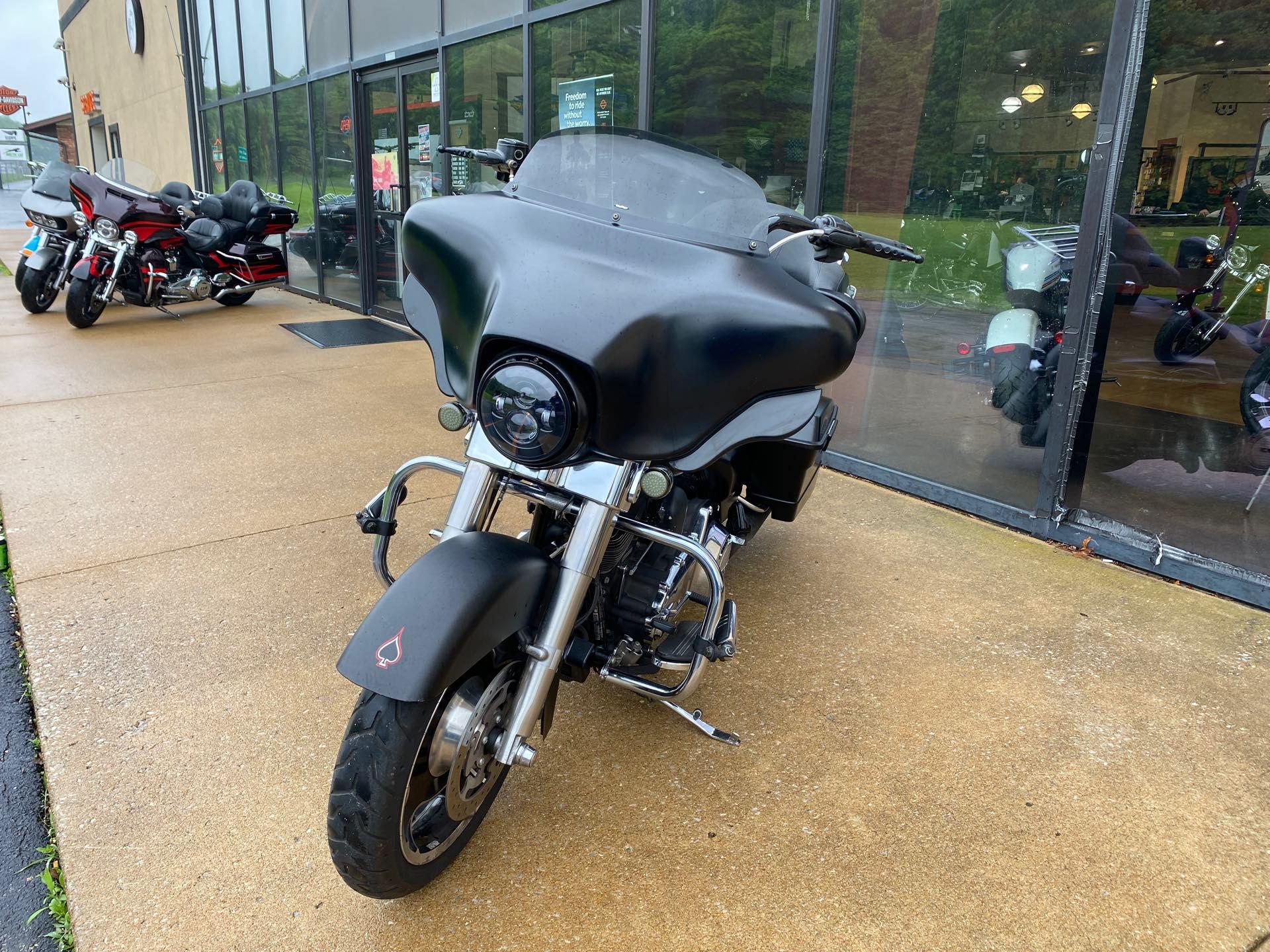 2011 Harley-Davidson Street Glide Base at Gold Star Harley-Davidson