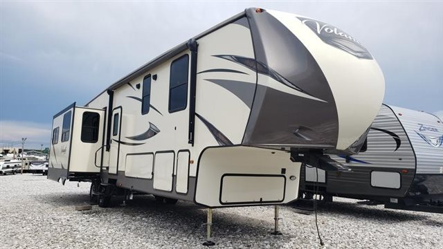 2017 CrossRoads Volante VL3801MD High Profile at Youngblood Powersports RV Sales and Service