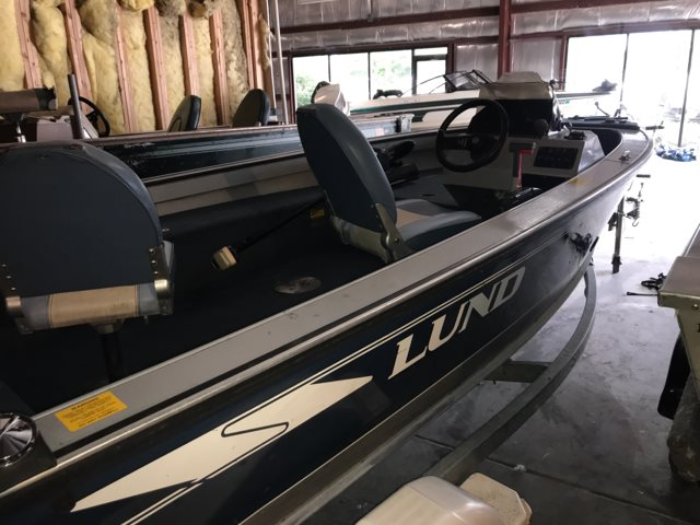 1994 Lund 1600 Angler II DLX at Pharo Marine, Waunakee, WI 53597