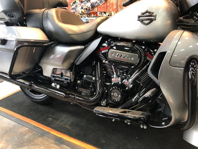 2019 Harley-Davidson Electra Glide CVO Limited at Vandervest Harley-Davidson, Green Bay, WI 54303