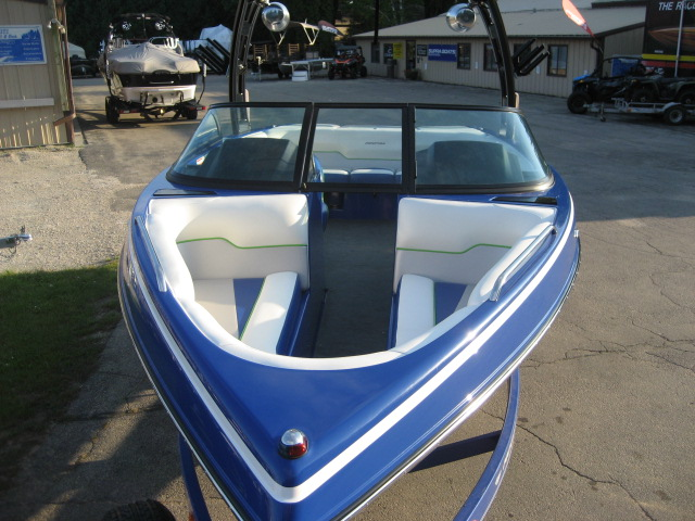 2014 Moomba Mobius LSV at Fort Fremont Marine, Fremont, WI 54940