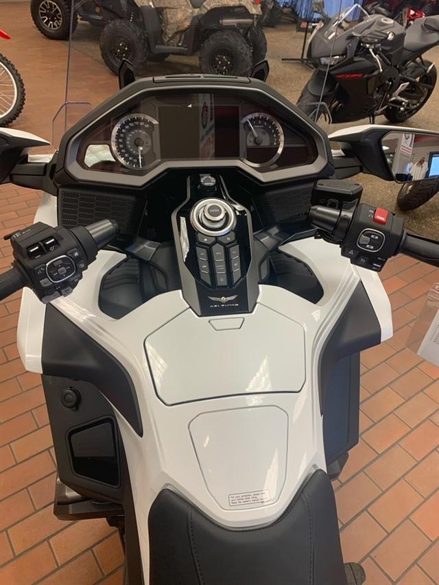 2020 Honda Gold Wing Tour Automatic DCT at Mungenast Motorsports, St. Louis, MO 63123