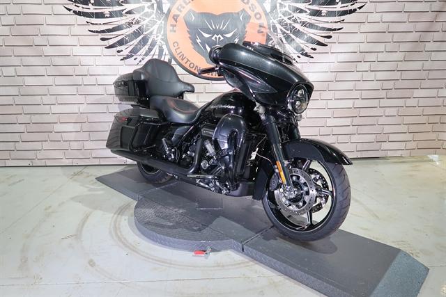 2017 Harley-Davidson Street Glide CVO Street Glide at Wolverine Harley-Davidson