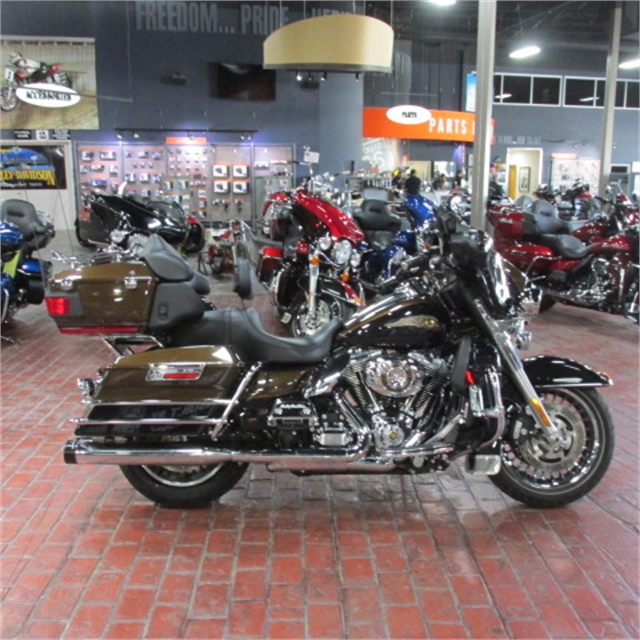 2013 Harley-Davidson Electra Glide Ultra Limited 110th Anniversary Edition at Bumpus H-D of Memphis