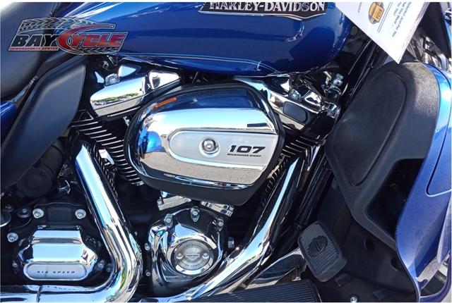 2017 Harley-Davidson FLHTCUTG Tri Glide Ultra at Bay Cycle Sales