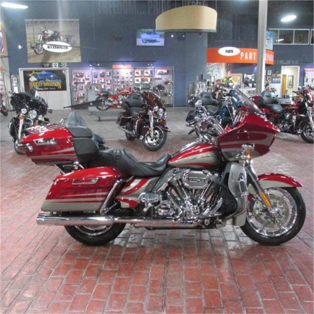 2016 Harley-Davidson Road Glide CVO Ultra at Bumpus H-D of Memphis