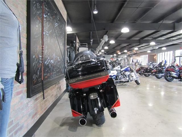 2016 Harley-Davidson Electra Glide CVO Limited at Cox's Double Eagle Harley-Davidson