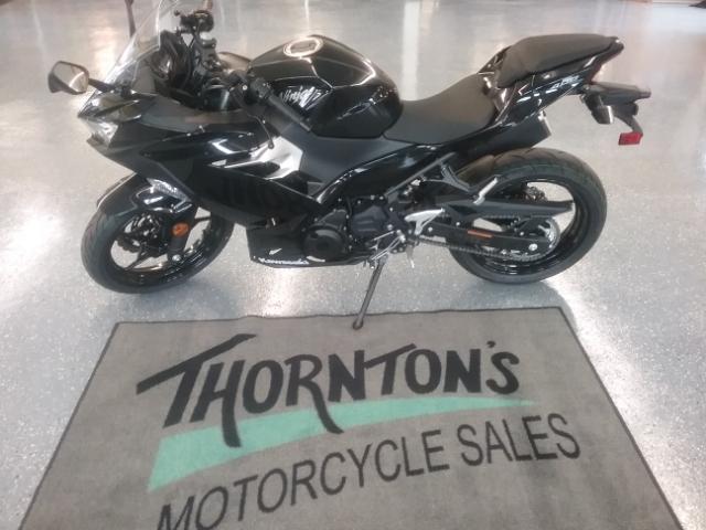 2018 Kawasaki Ninja 400 Base at Thornton's Motorcycle - Versailles, IN