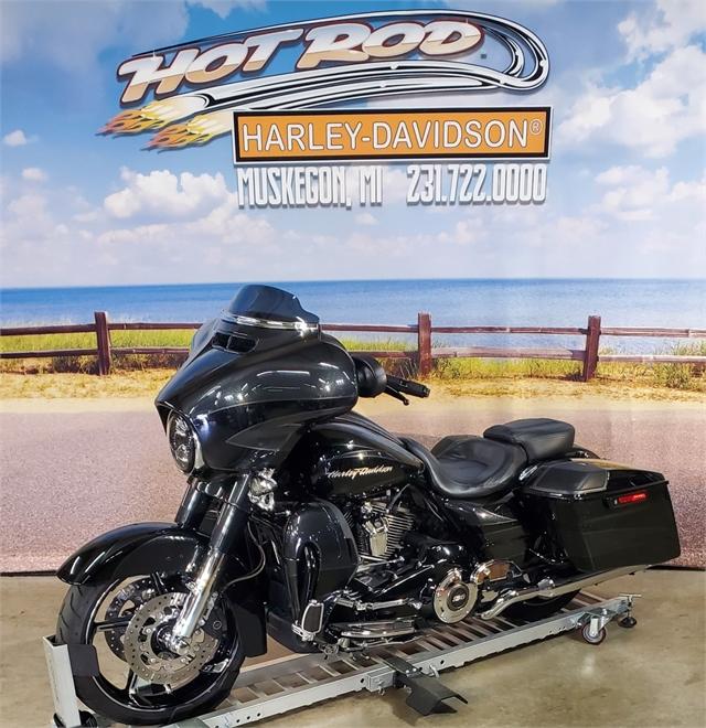 2017 Harley-Davidson Street Glide CVO Street Glide at Hot Rod Harley-Davidson