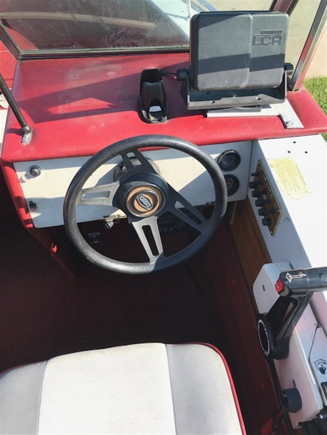 1987 Lund Tyee 53 at Boat Farm, Hinton, IA 51024